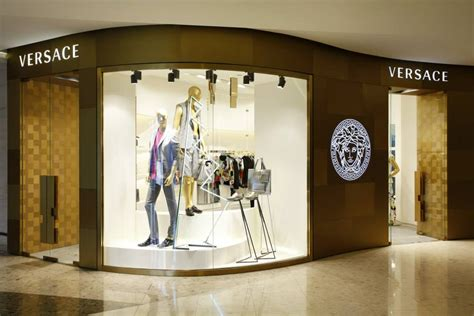 Versace Inaugurates a New Boutique in Shanghai   The